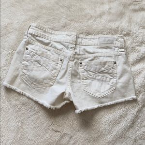 Buckle day trip Capricorn Jean white short 27